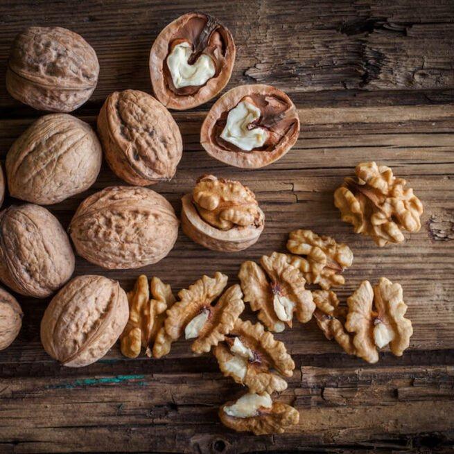 Walnut Light Halves Organic